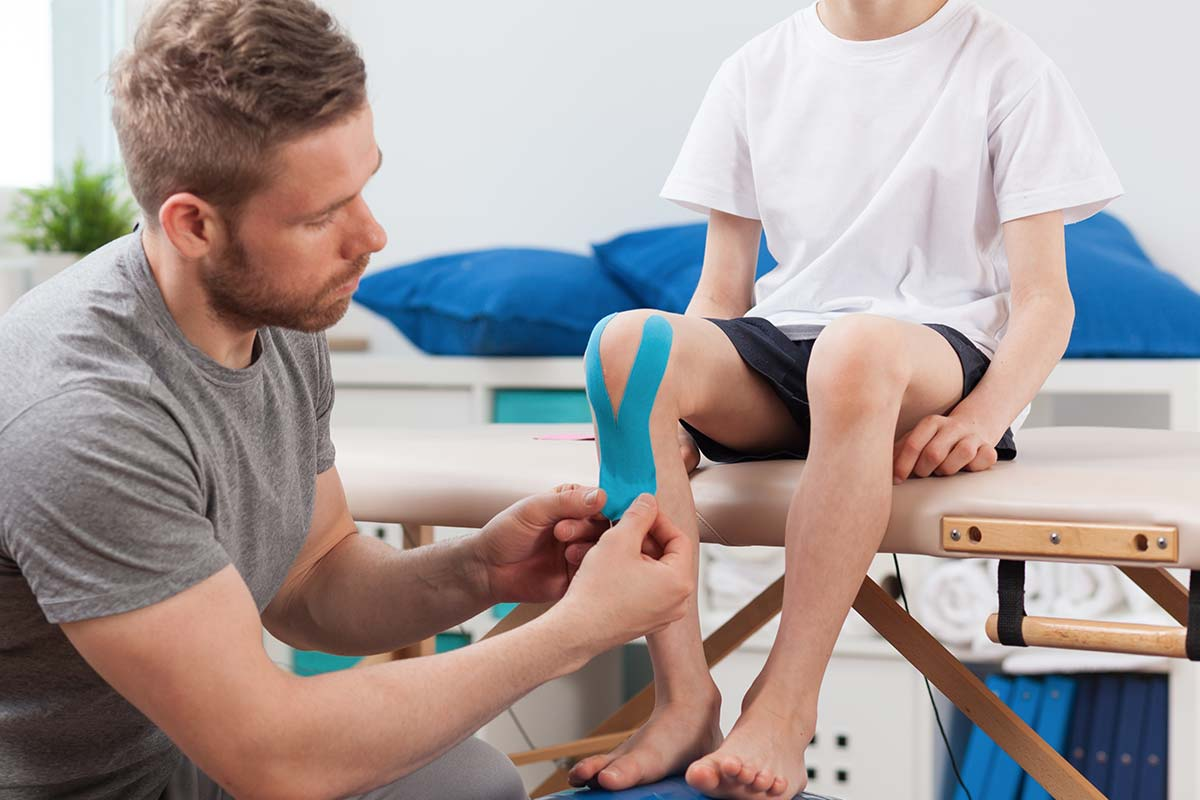 How Physiotherapy Services Helps Old Folks With Diseases